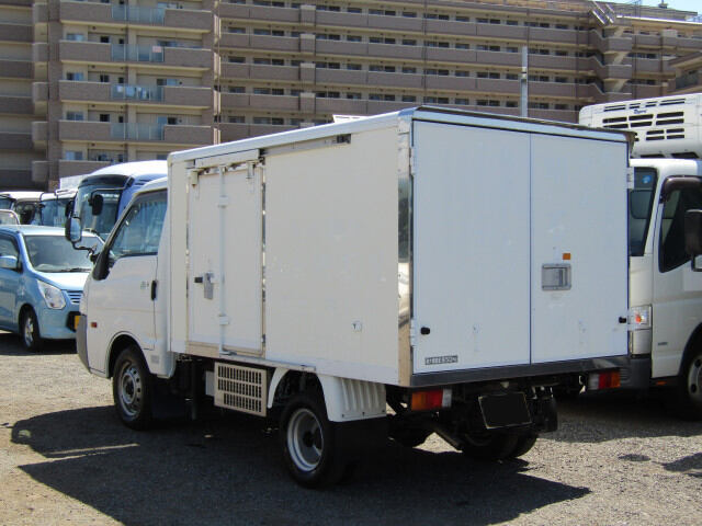 マツダ ボンゴ 小型 冷凍冷蔵 サイドドア ABF-SK82T|トラック 右後画像 リトラス掲載