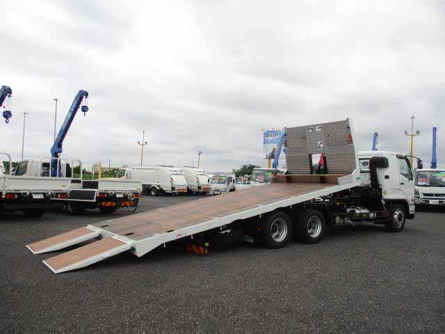 三菱 ファイター 中型 車輌重機運搬 ウインチ ベッド|トラック 右後画像 リトラス掲載