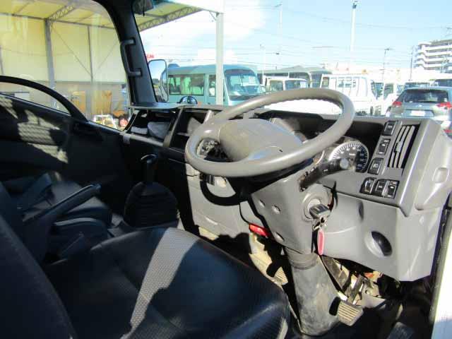 いすゞ エルフ 小型 平ボディ 床鉄板 SKG-NPR85YN|荷台 床の状態 トラック 画像 トラックサミット掲載