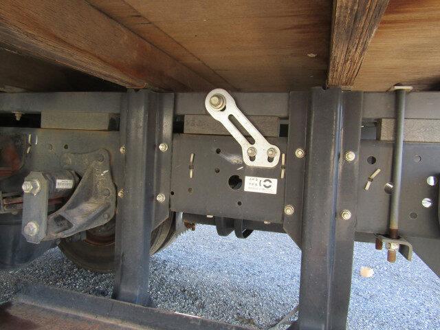 いすゞ エルフ 小型 平ボディ 床鉄板 SKG-NPR85YN|年式 H26 トラック 画像 トラックサミット掲載