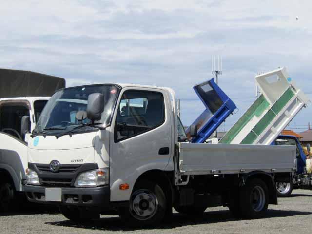 トヨタ ダイナ 小型 平ボディ TKG-XZC600 H27|トラック 左前画像 トラックバンク掲載
