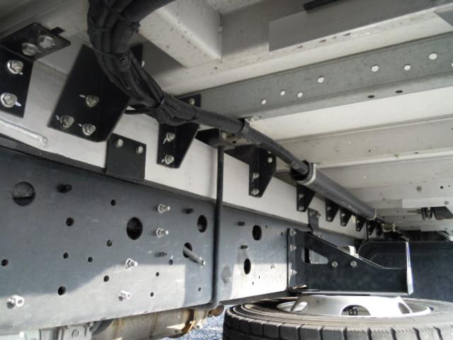 日野 レンジャー 中型 ウイング エアサス ベッド|車検  トラック 画像 キントラ掲載