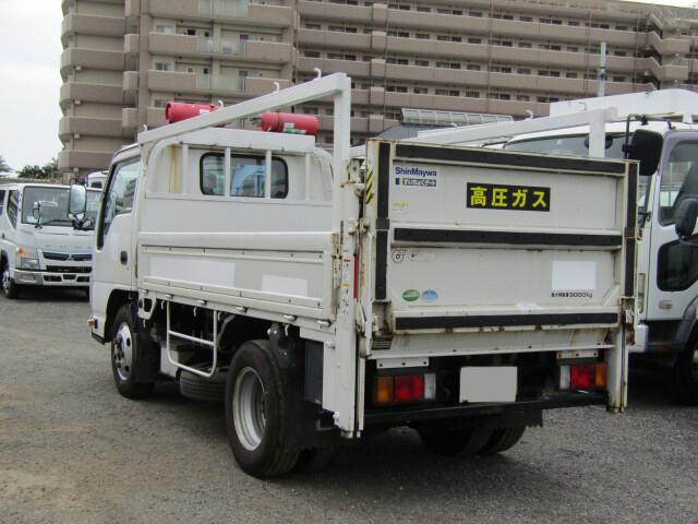 いすゞ エルフ 小型 平ボディ パワーゲート 床鉄板|トラック 右後画像 リトラス掲載