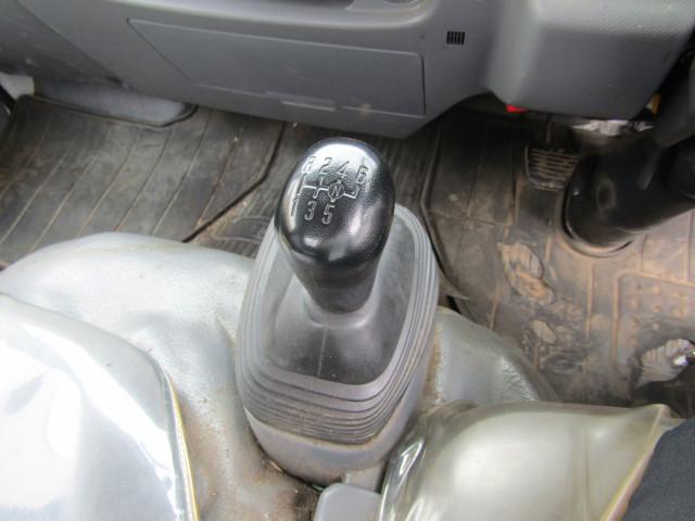 いすゞ エルフ 小型 平ボディ パワーゲート 床鉄板|駆動方式 2WD トラック 画像 リトラス掲載