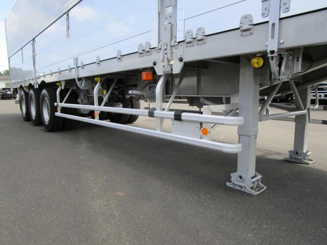 国内・その他 国産車その他 その他 トレーラ 3軸 エアサス|荷台 床の状態 トラック 画像 トラックサミット掲載