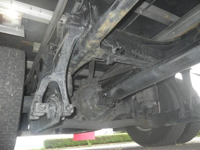 日野 レンジャー 中型 ウイング エアサス ベッド|運転席 トラック 画像 トラック王国掲載