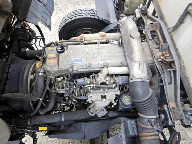三菱 ファイター 中型 冷凍冷蔵 中温 パワーゲート|荷台 床の状態 トラック 画像 トラックサミット掲載