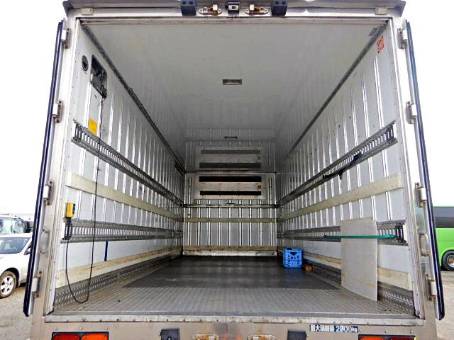 三菱 ファイター 中型 冷凍冷蔵 中温 パワーゲート|トラック 背面・荷台画像 トラック市掲載