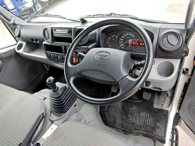 トヨタ ダイナ 小型 平ボディ パワーゲート TKG-XZC605|年式 H26 トラック 画像 トラックサミット掲載
