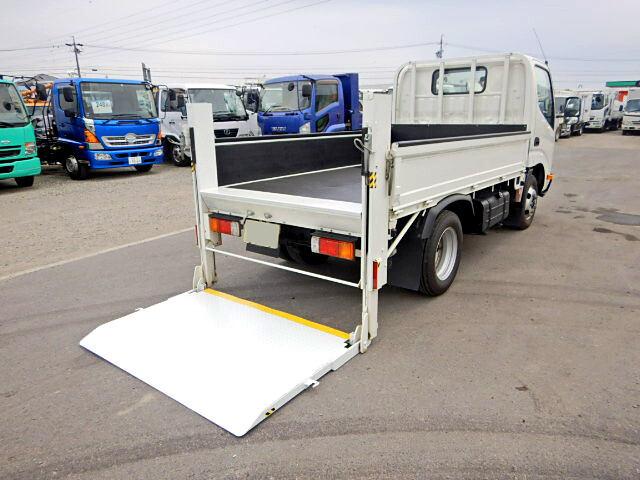 トヨタ ダイナ 小型 平ボディ パワーゲート TKG-XZC605|トラック 右後画像 リトラス掲載