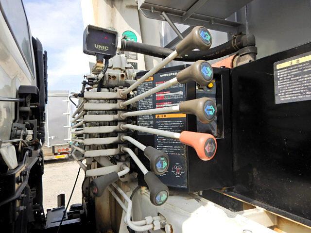 日野 レンジャー 中型 クレーン付 4段 フックイン|荷台 床の状態 トラック 画像 トラックサミット掲載