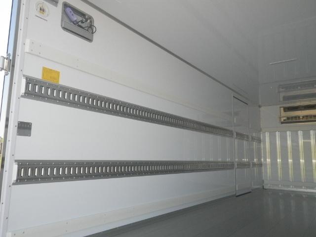 日野 レンジャー 中型 冷凍冷蔵 低温 パワーゲート|運転席 トラック 画像 トラック王国掲載