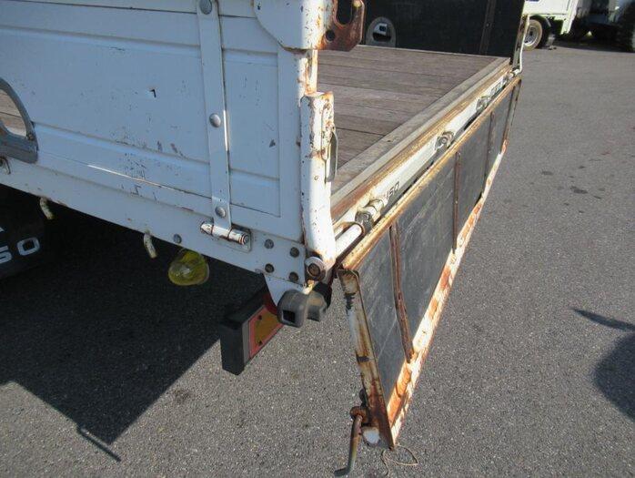 三菱 ファイター 中型 クレーン付 5段 ラジコン|積載 2.8t トラック 画像 ステアリンク掲載