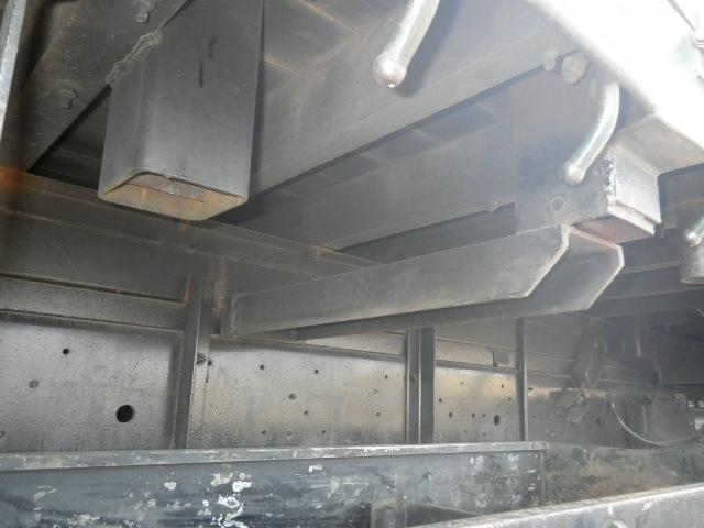 日産UD クオン 大型 平ボディ 床鉄板 エアサス|年式 H15 トラック 画像 トラックサミット掲載