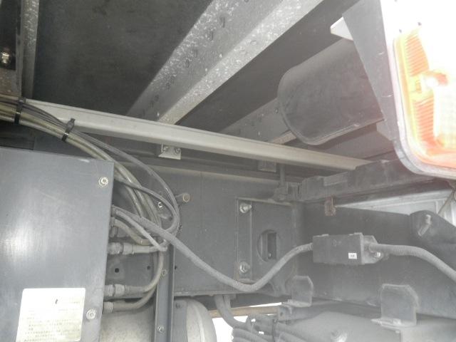 いすゞ ギガ 大型 冷凍冷蔵 冷凍ウイング 低温|フロントガラス トラック 画像 トラック王国掲載