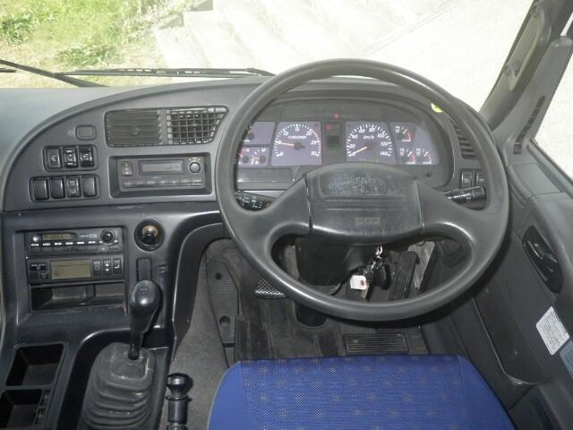 いすゞ ギガ 大型 冷凍冷蔵 冷凍ウイング 低温|車検 R3.8 トラック 画像 キントラ掲載