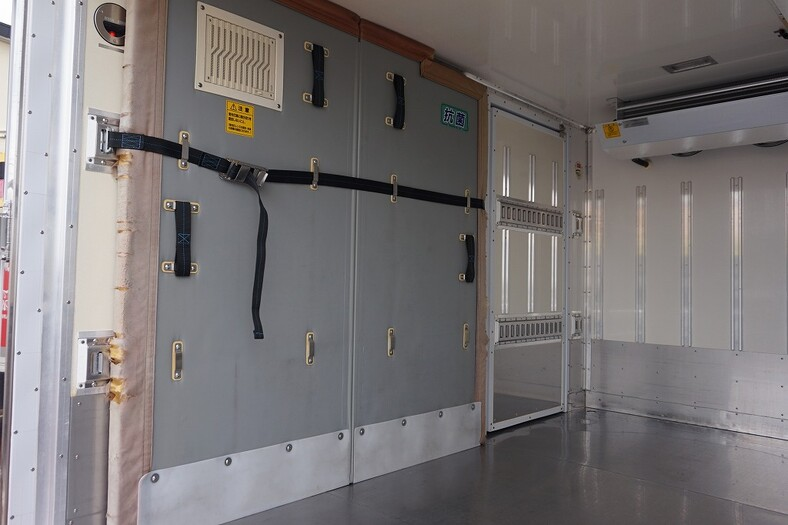 いすゞ エルフ 小型 冷凍冷蔵 低温 床ステン 画像12