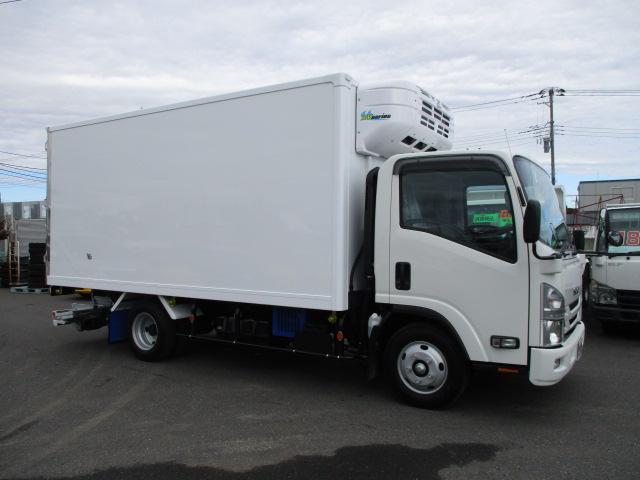 いすゞ エルフ 小型 冷凍冷蔵 低温 パワーゲート|トラック 右後画像 リトラス掲載