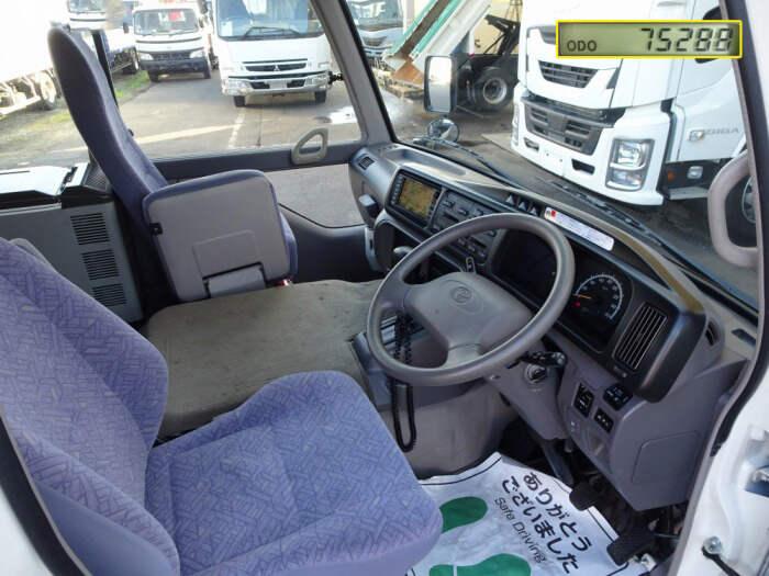 トヨタ コースター 小型 バス マイクロバス SDG-XZB50|走行距離 7.6万km トラック 画像 トラックランド掲載