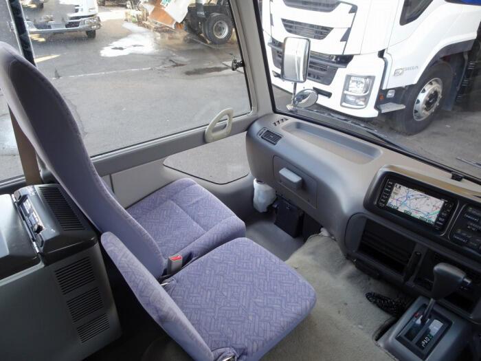 トヨタ コースター 小型 バス マイクロバス SDG-XZB50|荷台 床の状態 トラック 画像 トラックサミット掲載