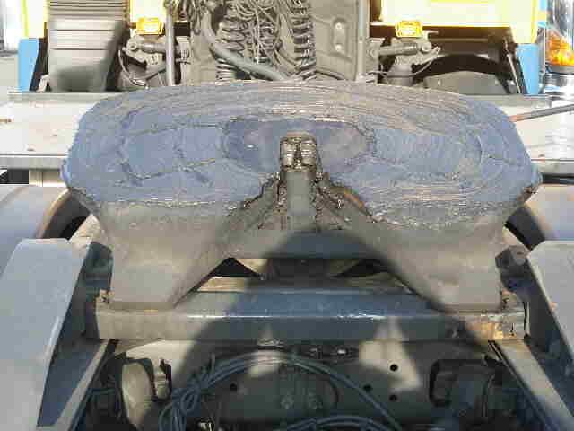 ボルボ トラック 大型 トラクタ 2デフ エアサス|運転席 トラック 画像 トラック王国掲載