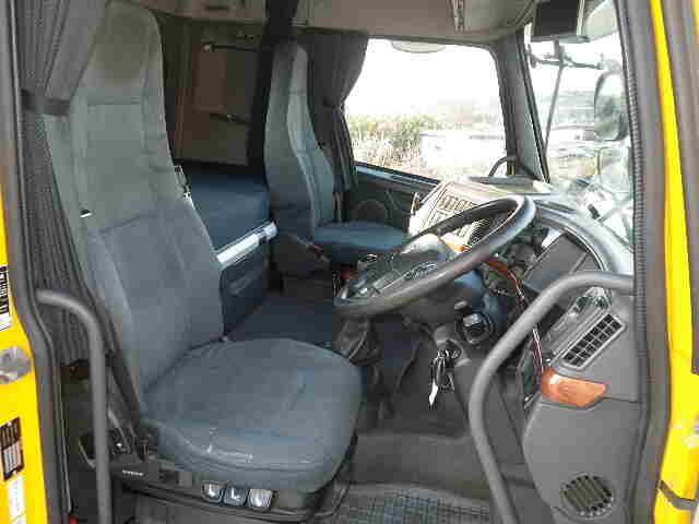 ボルボ トラック 大型 トラクタ 2デフ エアサス|架装  トラック 画像 トラックバンク掲載