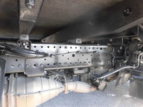 いすゞ エルフ 小型 平ボディ BKG-NLR85AR H21|フロントガラス トラック 画像 トラック王国掲載