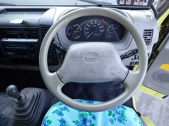 日野 デュトロ 小型 パッカー車 プレス式 BJG-XKU414M|運転席 トラック 画像 トラック王国掲載