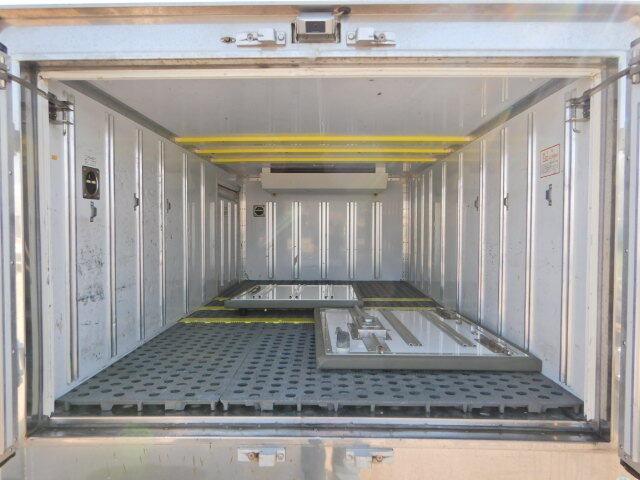いすゞ エルフ 小型 冷凍冷蔵 低温 サイドドア|画像3