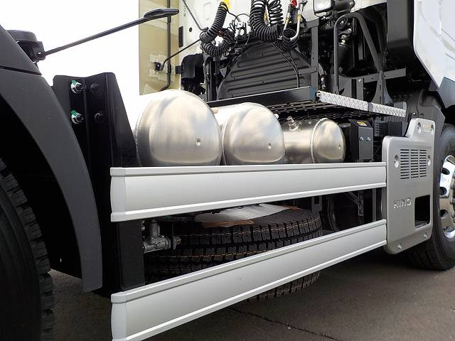 日野 プロフィア 大型 トラクタ 1デフ ベッド|荷台 床の状態 トラック 画像 トラックサミット掲載