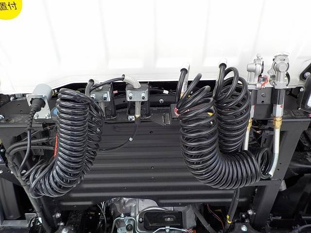 日野 プロフィア 大型 トラクタ 1デフ ベッド|走行距離 0.1万km トラック 画像 トラックランド掲載