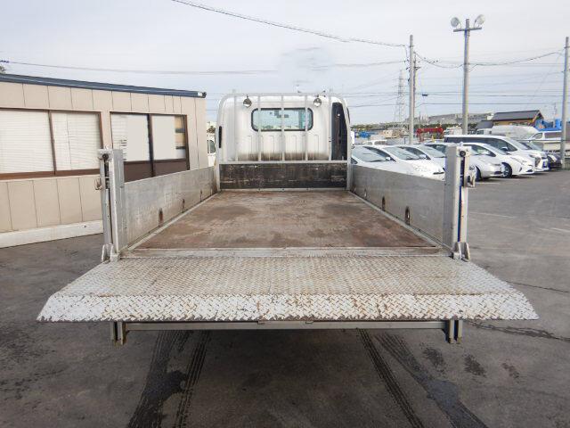 いすゞ エルフ 小型 平ボディ パワーゲート アルミブロック 荷台 床の状態 トラック 画像 トラックサミット掲載