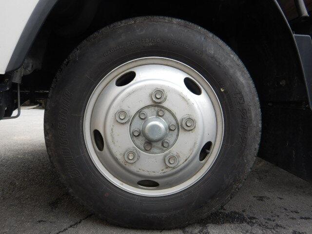 いすゞ エルフ 小型 平ボディ パワーゲート アルミブロック シャーシ トラック 画像 キントラ掲載