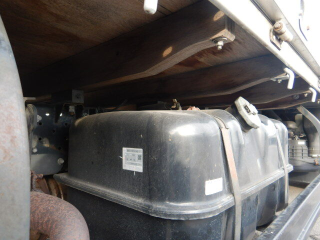 いすゞ エルフ 小型 平ボディ パワーゲート アルミブロック 積載 1.8t トラック 画像 ステアリンク掲載
