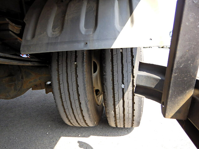 トヨタ トヨエース 小型 平ボディ 床鉄板 PB-XZU433|コーションプレート トラック 画像 リトラス掲載