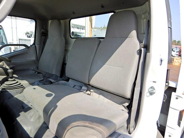 トヨタ トヨエース 小型 平ボディ 床鉄板 PB-XZU433|型式 PB-XZU433 トラック 画像 栗山自動車掲載