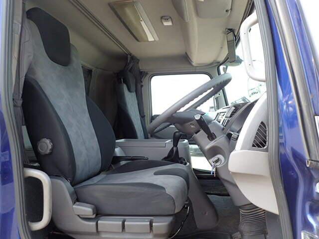 日産UD コンドル 中型 平ボディ 床鉄板 アルミブロック|フロントガラス トラック 画像 トラック王国掲載