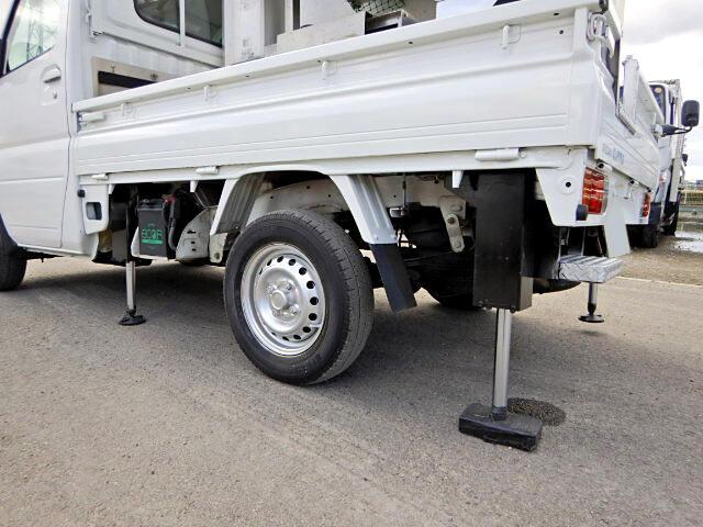 日産 クリッパー 軽 高所・建柱車 高所作業車 GBD-U71T|運転席 トラック 画像 トラック王国掲載