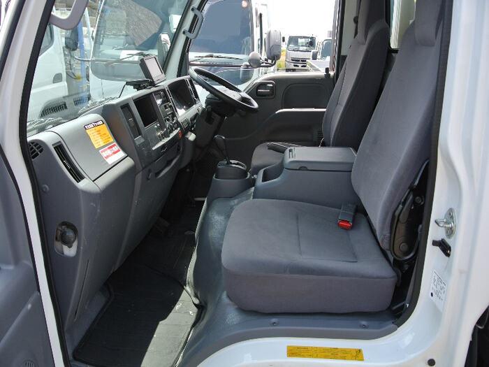いすゞ エルフ 小型 冷凍冷蔵 低温 サイドドア|車検  トラック 画像 キントラ掲載