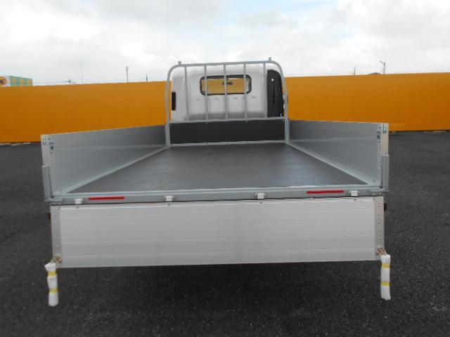いすゞ エルフ 小型 平ボディ アルミブロック TRG-NPR85AR トラック 背面・荷台画像 トラック市掲載