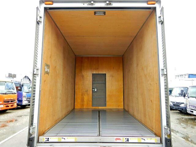 トヨタ ダイナ 小型 アルミバン センターローラー TKG-XZU605|トラック 背面・荷台画像 トラック市掲載