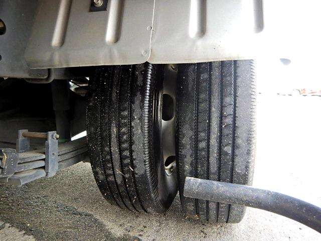 トヨタ ダイナ 小型 アルミバン センターローラー TKG-XZU605|コーションプレート トラック 画像 リトラス掲載