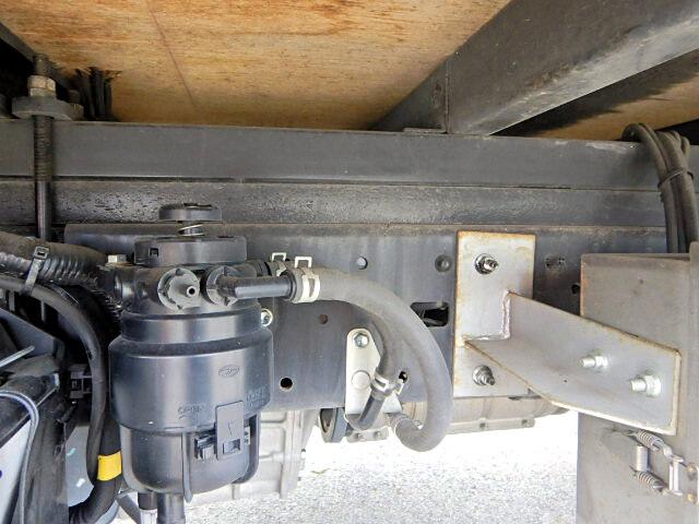 トヨタ ダイナ 小型 アルミバン センターローラー TKG-XZU605|駆動方式 2WD トラック 画像 リトラス掲載