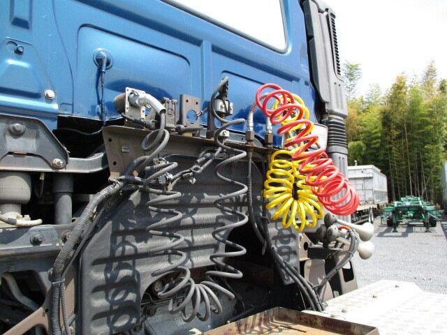 日野 プロフィア 大型 トラクタ ハイルーフ 1デフ|走行距離 83.7万km トラック 画像 トラックランド掲載
