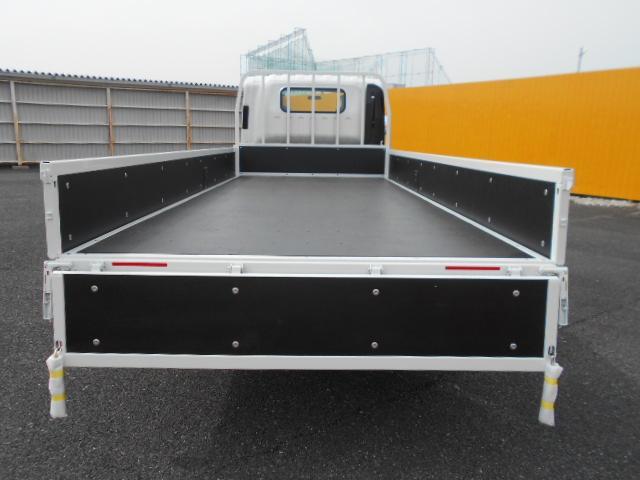 いすゞ エルフ 小型 平ボディ TRG-NPR85AR H31/R1|荷台 床の状態 トラック 画像 トラックサミット掲載