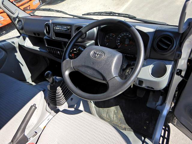 トヨタ ダイナ 小型 平ボディ TKG-XZU655 H26 シフト MT5 トラック 画像 ステアリンク掲載