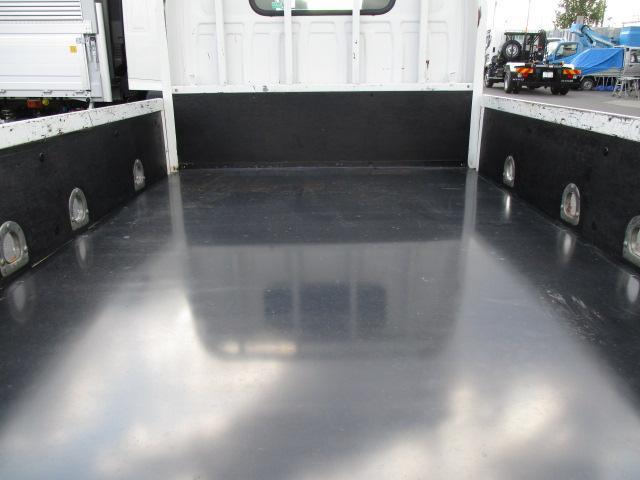 いすゞ エルフ 小型 平ボディ 床鉄板 SKG-NJR85A|リサイクル券 9,270円 トラック 画像 トラック市掲載
