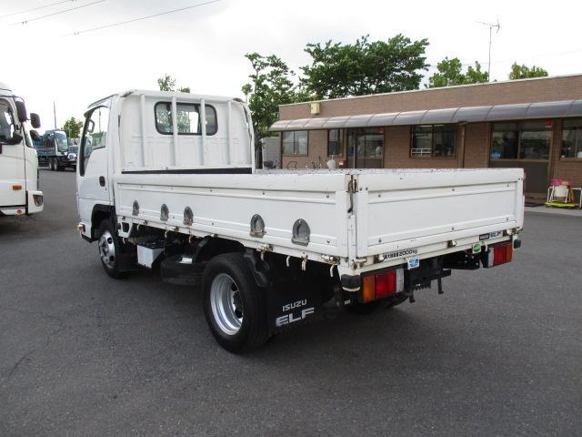 いすゞ エルフ 小型 平ボディ 床鉄板 SKG-NJR85A|運転席 トラック 画像 トラック王国掲載