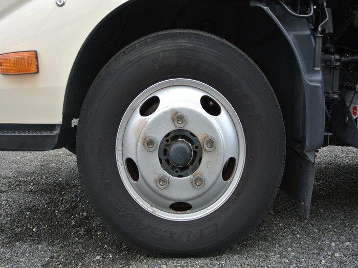 日野 デュトロ 小型 パッカー車 プレス式 SKG-XZU600X タイヤ トラック 画像 トラック市掲載