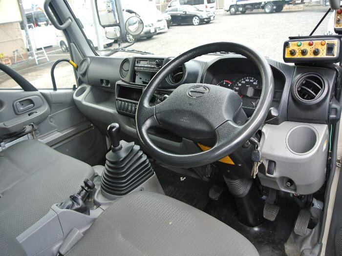 日野 デュトロ 小型 パッカー車 プレス式 SKG-XZU600X リサイクル券 8,820円 トラック 画像 トラック市掲載
